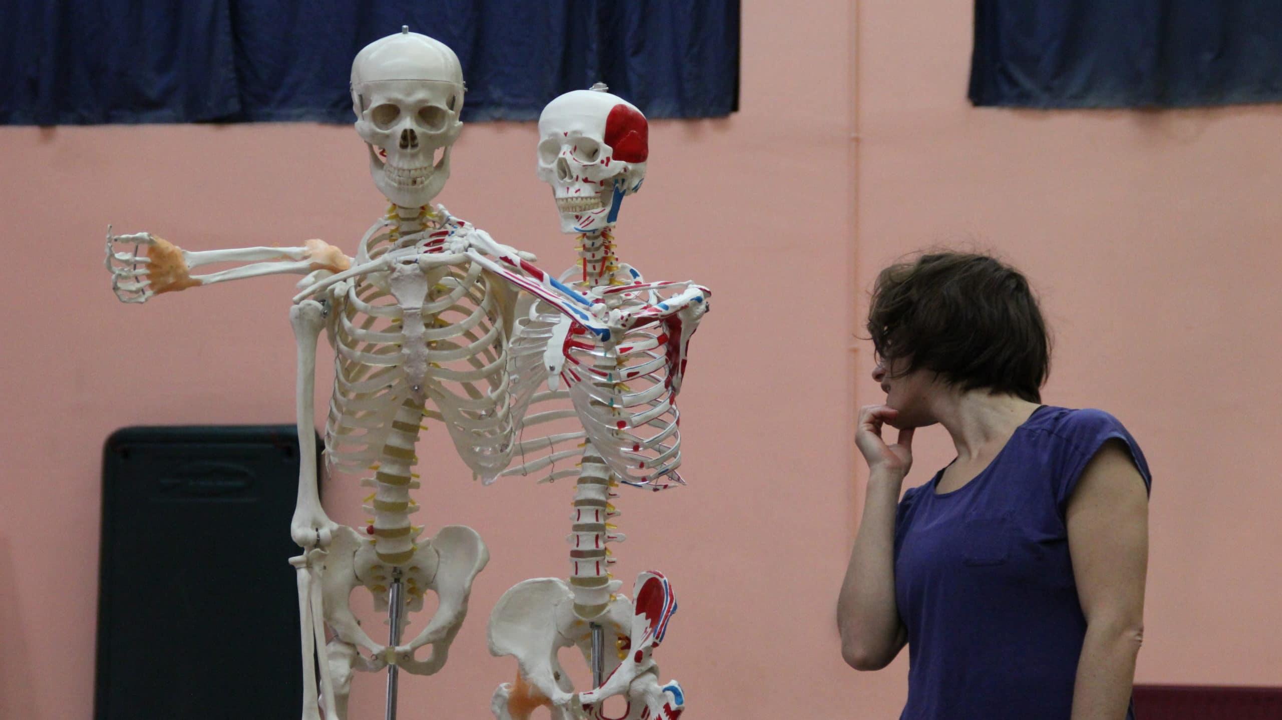 squelette et danseuse